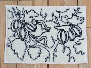 Rikke Ehlers. Grooseberries with larvae, 2021, ryatæppe 33 x 40 cm
